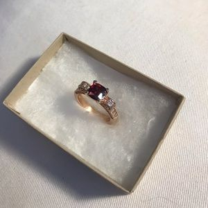 Red Diamond Gold Band Ring